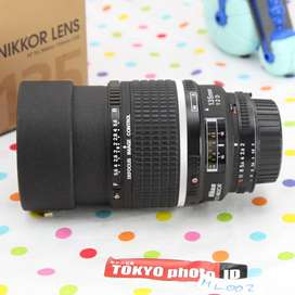 Lensa Nikon AF 135mm F2 DC Likenew grade AA