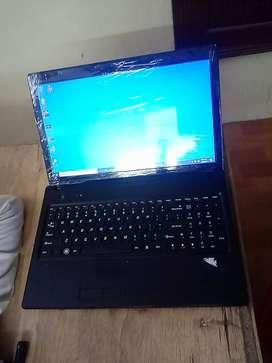 Lenovo Black Intel i5/4gb/320gb Laptop