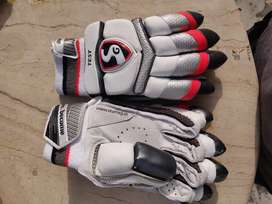 SG TEST BATTING GLOVES WITH PREMIUM LEATHER QUALITY