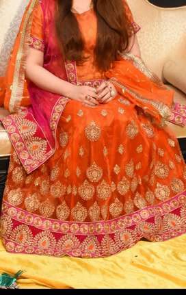 R sheen lehnga for mehandi