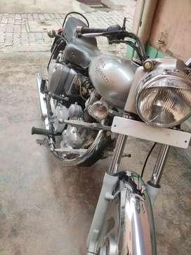 Orignal paint new tyres service abhi karvaye h all pepper complete