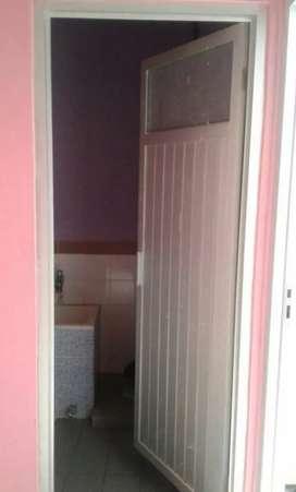 Model pintu aluminium kamar mandi