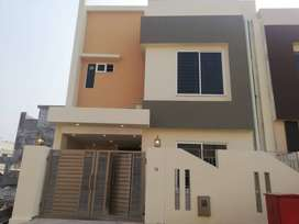 Beautiful 5 Marla Designer House Available in Bahria Town Phase 8