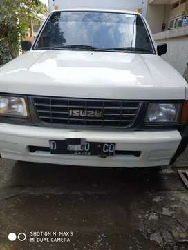 Isuzu panther 1/2 box th 2004 ex elextronic mulus skli tinggal pakai