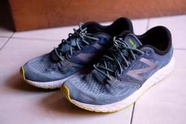 Sepatu New Balance Zante 45