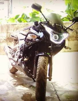 CBR 250R Complete Black Only 15000 kms