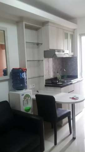 Di sewakan unit type 2 br furnish atas mall basura city