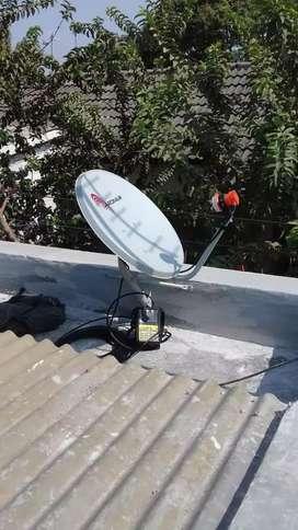 Antena Parabola chenel komlit mncgrup tetep ada