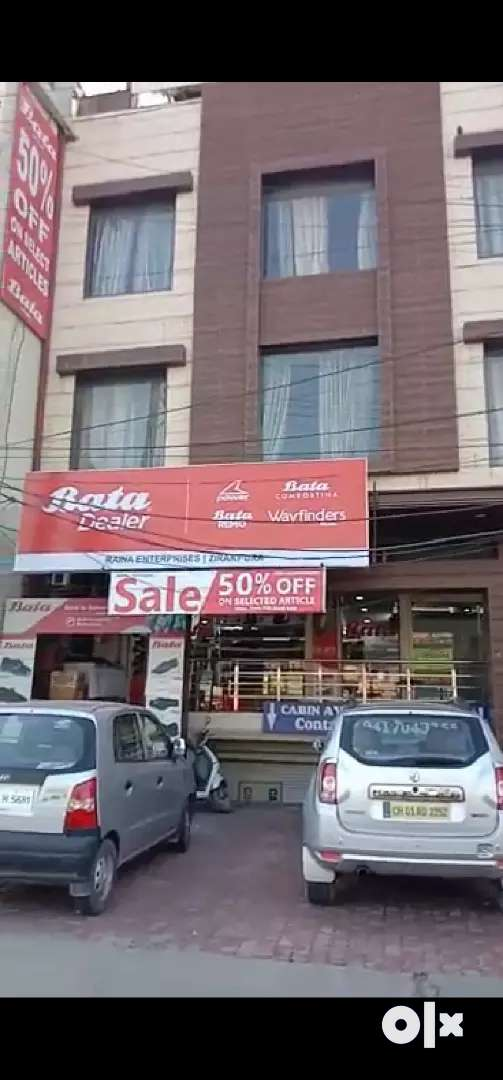 Pre leased hotel and show room available for sale in Zirakpur