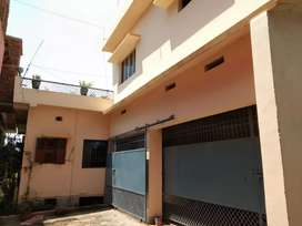 1.5 ktha house with good space for parking.