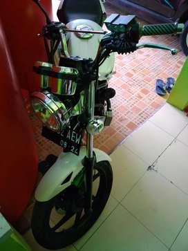 Honda cb old 2014 putih