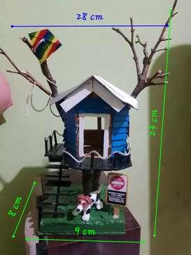 Miniatur set rumah pohon unik