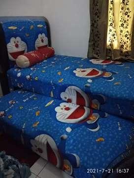 Satu set tempat tidur bed sorong