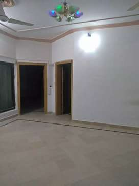 E-11 Beautiful 2 Bedroom Basment Portion Available