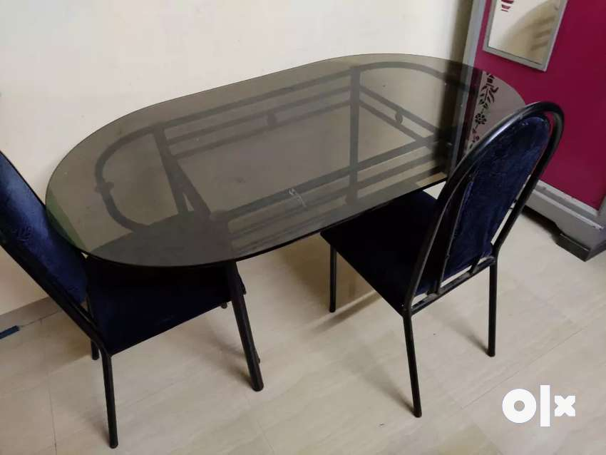 Dining table 0