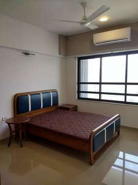 1 bhk furnished flat is available