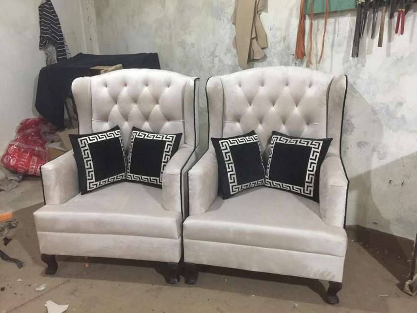 Sofa with high back chaires 0