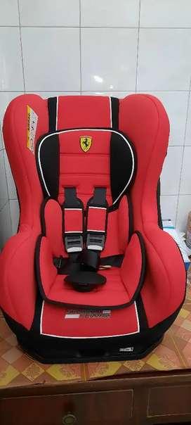 Elle Pontana Car seat baby Ferari