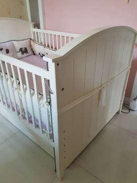 """Box / tempat tidur bayi merk """"Best Care"""" (bisa diset sampai balita)"""