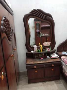 Dressing table & Diwyter 2