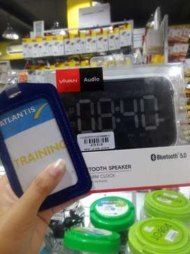 Vivan bluetooth clock speaker vs