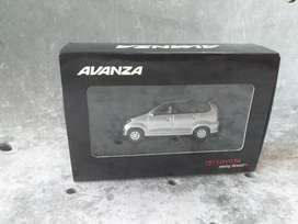 Miniatur Mobil RIMS Toyota Avanza 1:64