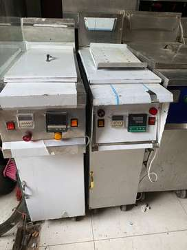 Fryer For Sale used but new condision