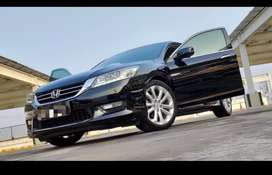 Honda accord 2013 VtiL