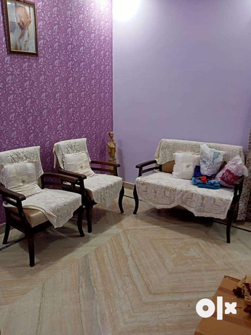 1bhk furnished flat near metro station