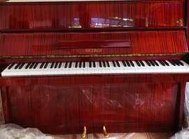 Piano PETROF - Ceko