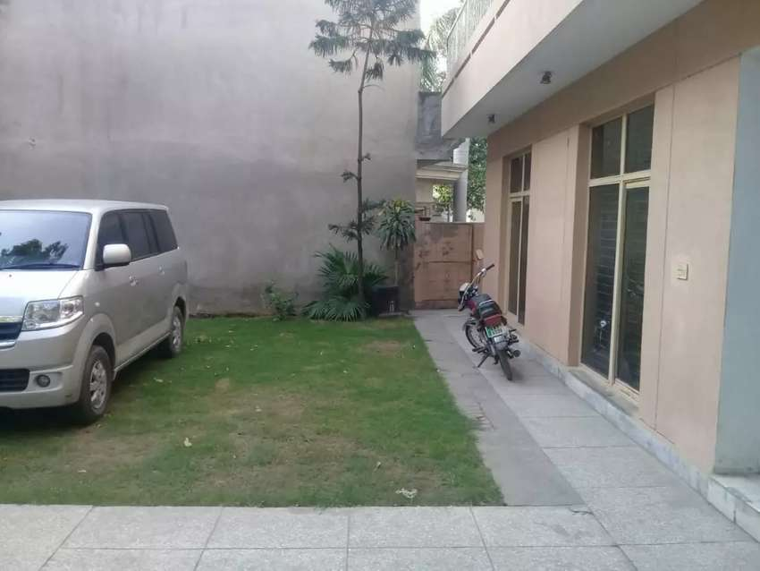 1 kanal house for rent 0