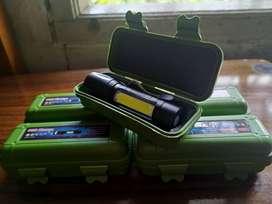 Senter Police Mini XPE + COB LED Zoom, USB Charge