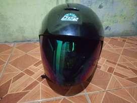 Di jual helm ltd warna hitam