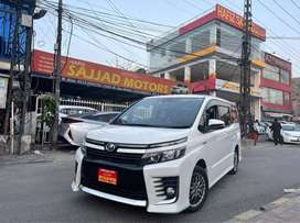 Toyota Voxy ZS Full Option Hybrid Genuine Condition Verifiable