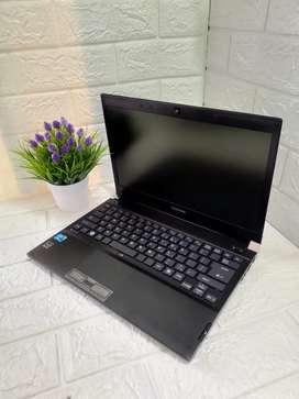 Laptop Toshiba R700 Series
