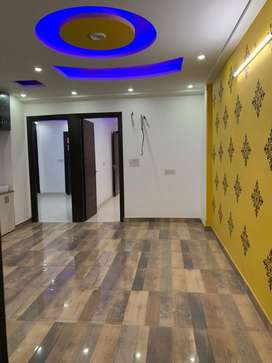 3+1 flat with beautiful work near by metro with lift car parking