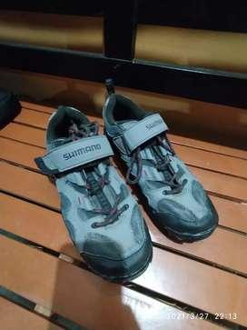 Sepatu shimano mt43