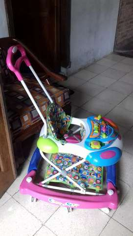 Baby wolker royal model pesawat