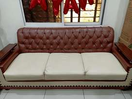Sofa set and center table