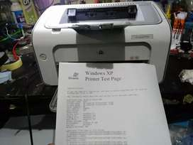 Jual printer hp laserjet p1102 normal.  Tinta toner full siap pakek