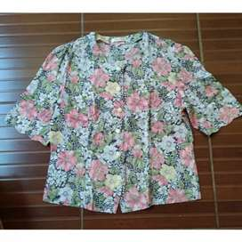 baju atasan wanita bunga
