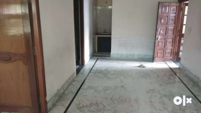 Ground floor for rent tihari visthapit colony bhel 0