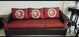Excellent quality 5 seater sofa set.