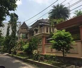 Dijual Rumah Mewah Ada Kolam renang dan Kos- kosan DharmaHusada Permai