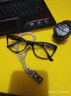 Kacamata pria wanita