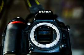 Nikon D7100 For Sale With 2 Bettry Chargar 18-140 lns