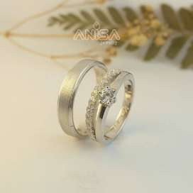 Order Cincin Tunangan Custom Di Anisa Jewelry Banda Aceh Bersertifikat