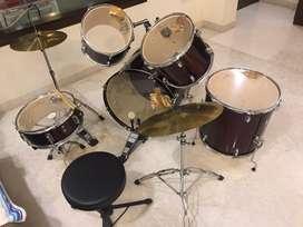 Drums ( 1 complete set)