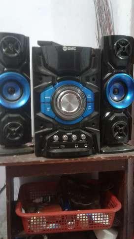 Dijual tv LED sharp 32 inch dan speaker aktif GMC (borongan ajha)