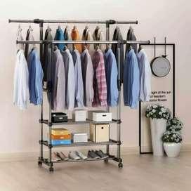 Triple stand hanger